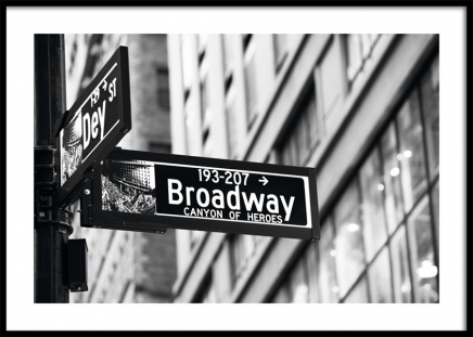 Broadway Sign Juliste ryhmässä Studio Collections / Studio Cosmopolitan / New York @ Desenio AB (11311)